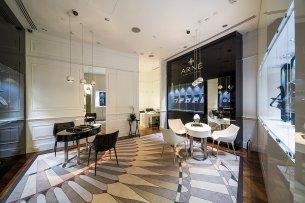 Обновленный бутик Alexander Arne открылся в Галереях