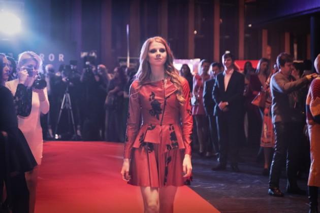 Надежда Гуськова стала лицом одного из показов бренда ELEONORA AMOSOVA
