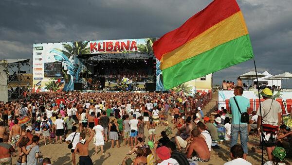 Команда фестиваля Kubana запустила флешмоб #домапой